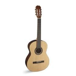 Admira Sara, klasszikus gitár